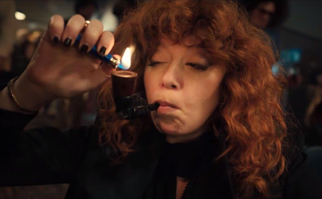 """Netflix estrena el trailer de """"Russian Doll"""", la comedia negra donde Natasha Lyonne muere una y otra vez"""